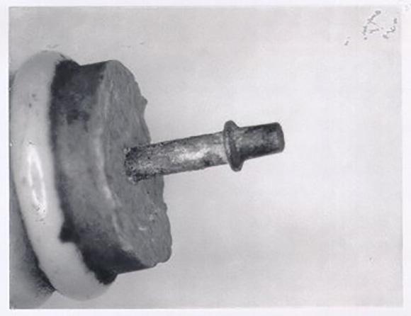 1920年代のチャンピオン社製点火プラグの一部