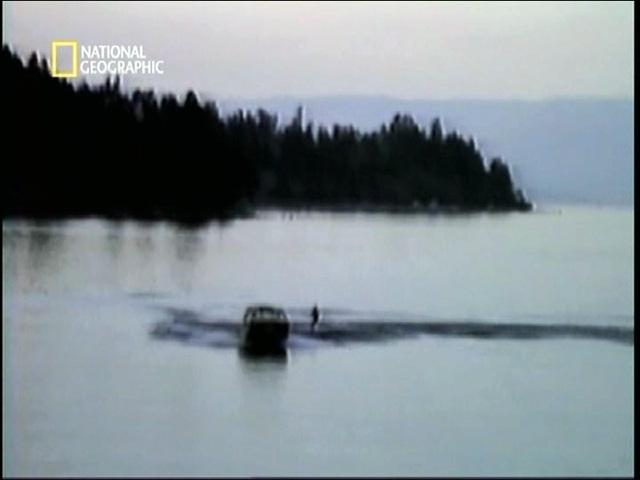 ボートが旋回